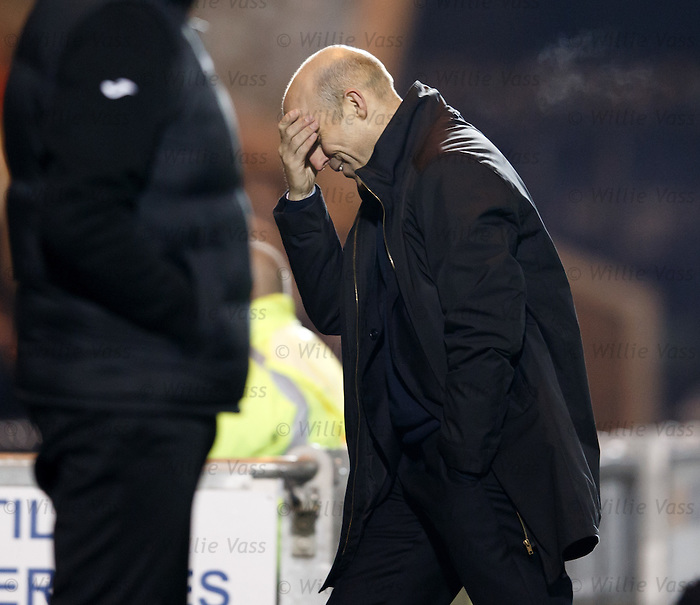 Alex Rae dejection as St Mirren lose again