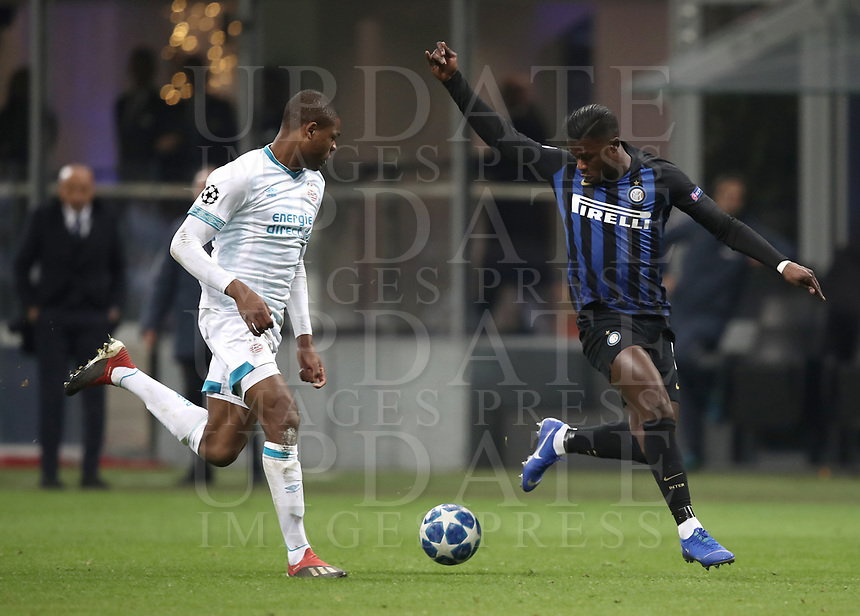 Football: UEFA Champions League -Group Stage - Group B - FC Internazionale Milano vs PSV Eindhoven, Giuseppe Meazza  (San Siro) Stadium, Milan Italy, December 11, 2018.<br /> Inter Milan's Keita Baldé (r) in action with PSV Eindhoven's Denzel Dumfries (l) during the Uefa Champions League football match between Inter Milan and PSV Eindhoven at Giuseppe Meazza  (San Siro) Stadium in Milan on December 11, 2018. <br /> UPDATE IMAGES PRESS/Isabella Bonotto