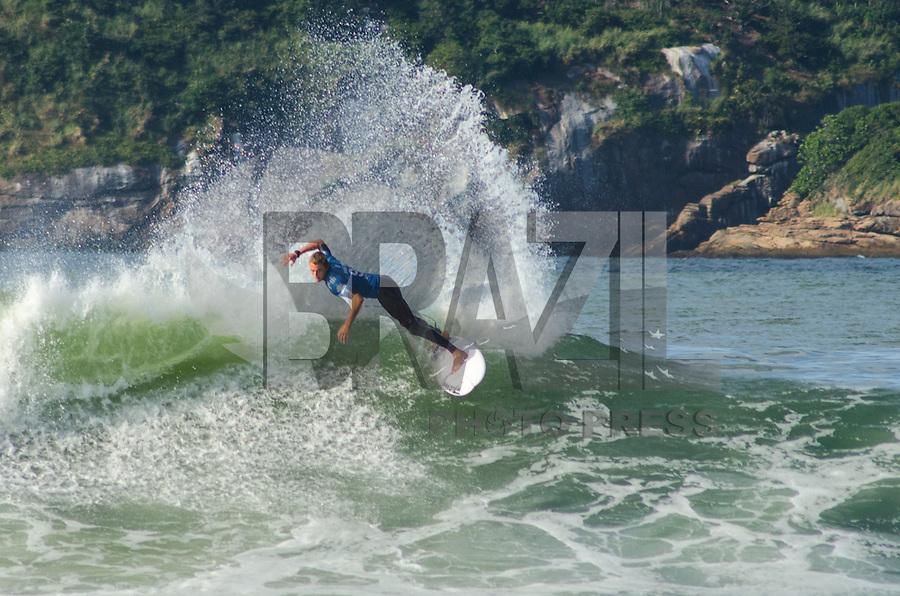 RIO DE JANEIRO, RJ, 15.05.2015 - MUNDIAL DE SURF - O australiano Matt<br /> Banting participa do Oi Rio Pro, etapa brasileira do circuito mundial da Wolrd Surf League (WSL), na praia da Barra da Tijuca, na zona oeste, nesta sexta-feira (15). (Foto: João Mattos / Brazil Photo Press)