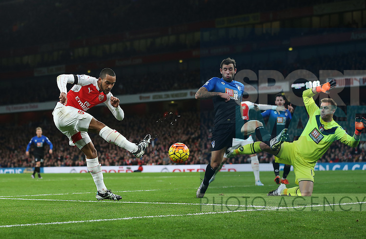 Arsenal's Theo Walcott sees his shot saved by Bournemouth's Artur Boruc<br /> <br /> Barclays Premier League- Arsenal vs AFC Bournemouth - Emirates Stadium - England - 28th December 2015 - Picture - David Klein/Sportimage