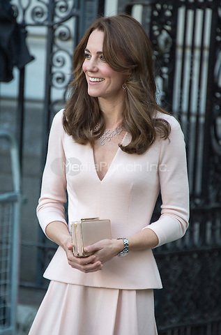 LONDON, ENGLAND - MAY 04.  Catherine, Duchess of Cambridge leaving the National Portrait Gallery after viewing the Vogue 100: A Century of Style exhibition in London, England. 4th May 2016. <br /> CAP/JWP<br /> &copy;JWP/Capital Pictures /MediaPunch ***NORTH AMERICAN AND SOUTH AMERICAN SALES ONLY***