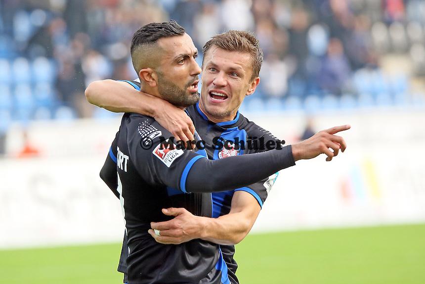 Torjubel um Joan Oumari (FSV) beim 1:0 - FSV Frankfurt vs. FC Erzgebirge Aue, Frankfurter Volksbank Stadion