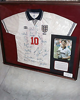 BNPS.co.uk (01202 558833)<br /> Pic: SchneiderIndustries/BNPS<br /> <br /> The football shirt worn by Gary Lineker is his last ever game for England has emerged for sale.<br /> <br /> The 1992 match will always be remembered for the striker being inexplicably substituted when he was just one goal away from equalling England's goalscoring record.<br /> <br /> He was taken off on 62 minutes by the then manager Graham Taylor and replaced by Alan Smith.<br /> <br /> England went on to lose 2-1 against Sweden and be dumped out of the European Championships.