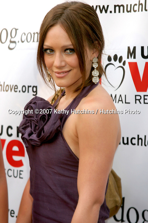 "Hilary Duff.""BowWowWOW"" Fundraiser to benefit Much Love Animal Rescue.Playboy Mansion.Westwood, CA.July 14, 2007.©2007 Kathy Hutchins / Hutchins Photo...."