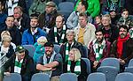 Stockholm 2014-09-28 Fotboll Superettan Hammarby IF - IK Sirius :  <br /> Sveriges f&ouml;rbundskapten f&ouml;r fotbollslandslaget f&ouml;r damer Pia Sundhage sitter p&aring; l&auml;ktaren med en Hammarbyhalsduk under matchen mellan Hammarby och Sirius <br /> (Foto: Kenta J&ouml;nsson) Nyckelord:  Superettan Tele2 Arena Hammarby HIF Bajen Sirius IKS portr&auml;tt portrait supporter fans publik supporters