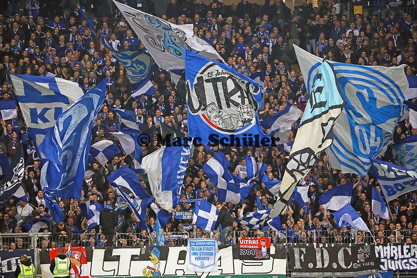 Schalker Fans - 11.11.2018: Eintracht Frankfurt vs. FC Schalke 04, Commerzbank Arena, DISCLAIMER: DFL regulations prohibit any use of photographs as image sequences and/or quasi-video.
