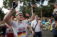 André Greipel (DEU/Lotto-Soudal) is overjoyed after his first (but most prestigeous) sprint finish on the Champs-Elysées this Tour, copy-ing last years victory.<br /> <br /> Final stage 21 - Chantilly › Paris (113km)<br /> 103rd Tour de France 2016