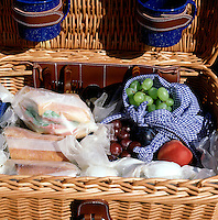FOOD - Picnic basket<br />