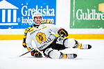 Stockholm 2013-12-07 Ishockey Elitserien AIK - Skellefte&aring; AIK :  <br /> Skellefte&aring;s George Bud Holloway har fallit i en n&auml;rkamp och har ont<br /> (Foto: Kenta J&ouml;nsson) Nyckelord:  AIK Skellefte&aring; SAIK skada skadan ont sm&auml;rta injury pain