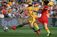 26 November 2017, Melbourne - SAM KERR (20) of Australia kicks the ball during an international friendly match between the Australian Matildas and China PR at GMHBA Stadium in Geelong, Australia.. Australia won 5-1. Photo Sydney Low