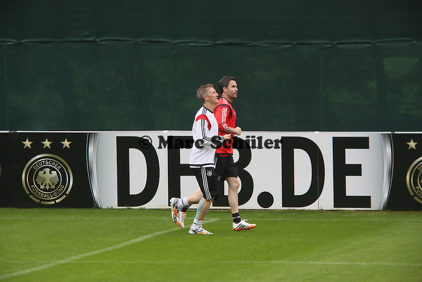 Bastian Schweinsteiger im Einzeltraining - Trainingslager der Deutschen Nationalmannschaft zur WM-Vorbereitung in St. Martin