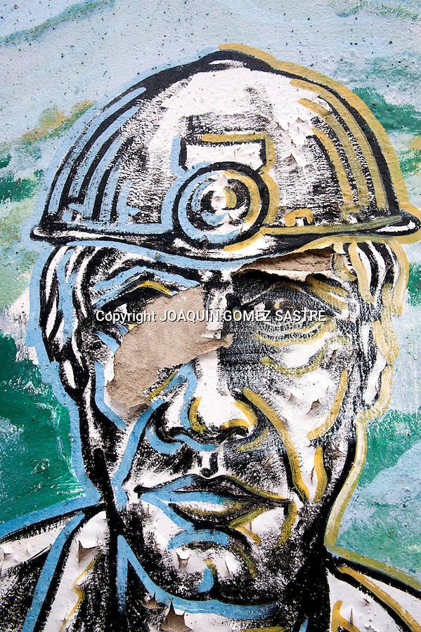 18 JUNIO 2012.LANGREO-ASTURIAS.Grafitti en el interior de la mina de Candin en Langreo