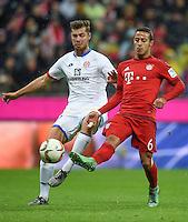 FUSSBALL  1. BUNDESLIGA  SAISON 2015/2016  24. SPIELTAG FC Bayern Muenchen - 1. FSV Mainz 05       02.03.2016 Thiago Alcantara (re, FC Bayern Muenchen) gegen Alexander Hack (li, 1. FSV Mainz 05)