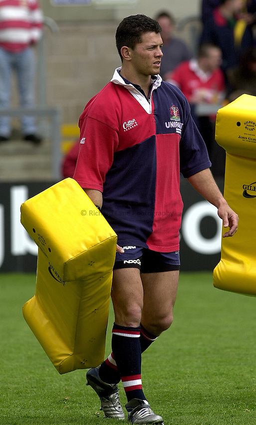 Photo Peter Spurrier..23/04/2002.Sport - Rugby.Parker Pen Shield - Franklin Gardens - Northampton.  Parker Pen Shield Semi-finals.Gloucester v Sale.Henry Paul