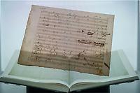 """Beethoven-Ausstellung """"Diesen Kuss der ganzen Welt!"""" in der Staatsbibliothek zu Berlin.<br /> Im Haus Unter den Linden wird eine der weltweit bedeutendsten Sammlungen von Notenhandschriften Ludwig van Beethovens und Autographen vom 11. Maerz bis 30. April 2020 gezeigt.<br /> Im Bild: Ein Leuchtkasten mit interaktiven Notenblaettern der 9. Sinfonie.<br /> 10.3.2020, Berlin<br /> Copyright: Christian-Ditsch.de<br /> [NUR FUER REDAKTIONELLE ZWECKE! Werbung nur auf Anfrage beim Fotografen. Inhaltsveraendernde Manipulation des Fotos nur nach ausdruecklicher Genehmigung des Fotografen. Vereinbarungen ueber Abtretung von Persoenlichkeitsrechten/Model Release der abgebildeten Person/Personen liegen nicht vor. NO MODEL RELEASE! Don't publish without copyright Christian-Ditsch.de, Veroeffentlichung nur mit Fotografennennung, sowie gegen Honorar, MwSt. und Beleg. Konto: I N G - D i B a, IBAN DE58500105175400192269, BIC INGDDEFFXXX, Kontakt: post@christian-ditsch.de<br /> Bei der Bearbeitung der Dateiinformationen darf die Urheberkennzeichnung in den EXIF- und  IPTC-Daten nicht entfernt werden, diese sind in digitalen Medien nach §95c UrhG rechtlich geschuetzt. Der Urhebervermerk wird gemaess §13 UrhG verlangt.]"""