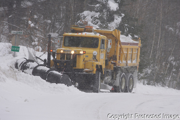 Another snowstorm hits Southern Quebec, the third in less than a week.
