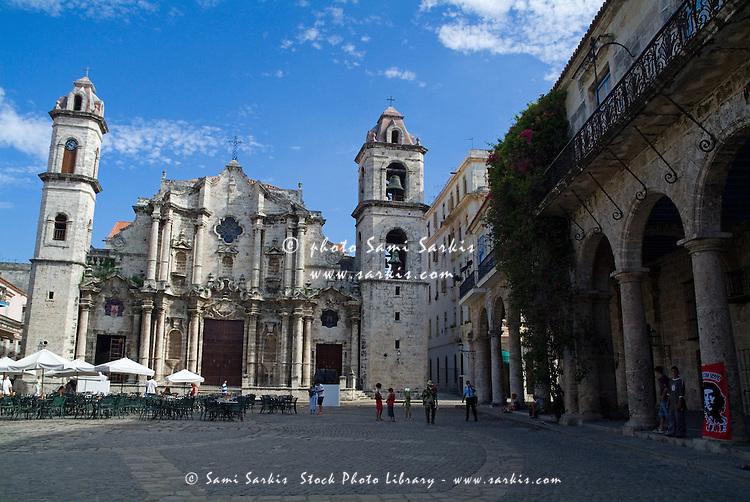Cobblestone courtyard surrounded by Cathedral de San Cristobal and Palacio de los Marqueses de Arcos, Havana, Cuba.