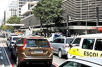 SAO PAULO, SP, 10 SETEMBRO 2012 - Transito em Sao Paulo apos Feriado prolongado, regiao da Avenida Paulista - Centro<br /> FOTO: POLINE LYS - BRAZIL PHOTO PRESS