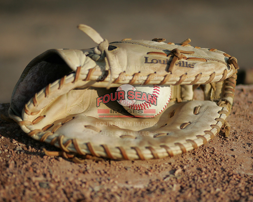 Baseball 1st base glove. Photo by Andrew Woolley / Four Seam Images.