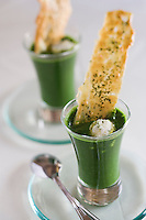 """Afrique/Afrique du Nord/Maroc /Casablanca: Restaurant de Meryem Cherkaoui """"la Maison du Gourmet"""" - Velouté d'herbes et salades mélangées, caillé de chèvre"""