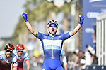 Race leader Elia Viviani (ITA) Quick-Step Floors wins Stage 5 The Meraas Stage final stage of the Dubai Tour 2018 the Dubai Tour&rsquo;s 5th edition, running 132km from Skydive Dubai to City Walk, Dubai, United Arab Emirates. 10th February 2018.<br /> Picture: LaPresse/Fabio Ferrari | Cyclefile<br /> <br /> <br /> All photos usage must carry mandatory copyright credit (&copy; Cyclefile | LaPresse/Fabio Ferrari)