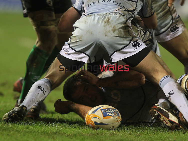 Xavier Rush.RaboDirect Pro12.Cardiff Blues v Connacht.Cardiff Arms Park..10.02.12.©Steve Pope