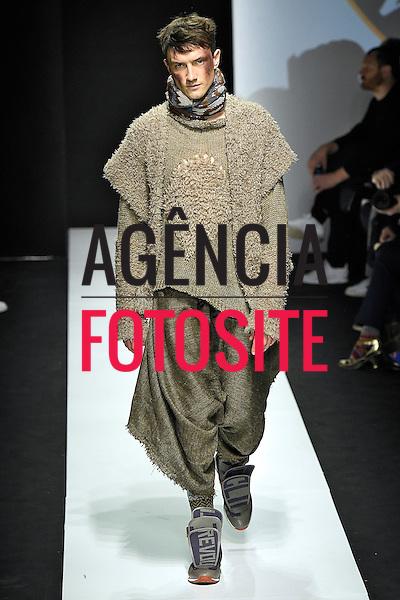 Vivienne Westwood<br /> Milao Masculino- Inverno 2015<br /> <br /> <br /> foto: FOTOSITE