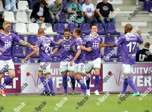 2014-07-21 / Voetbal / seizoen 2014-2015 / Beerschot-Wilrijk - Rupel-Boom / Beerschot-Wilrijk viert een doelpunt van Antonio Munoz Herrera (midden)<br /><br />Foto: mpics.be