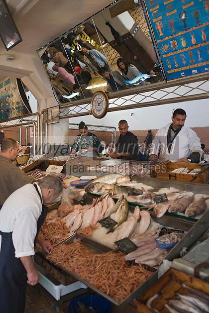 Afrique/Afrique du Nord/Maroc/Rabat: le marché central étal des poissonniers