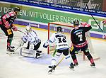 06.10.2019, Mercedes Benz Arena, Berlin, GER, 1.DEL, EISBAEREN BERLIN  VS.  Straubingen Tigers, im Bild <br /> 4: 1 durch Louis-Marc Aubry (Eisbaeren Berlin #41), Frank Hoerdler (Eisbaeren Berlin #7), <br /> Sebastian Vogel (Straubingen Tigers #25), T.J. Mulock (Straubingen Tigers #15)<br /> <br />      <br /> Foto © nordphoto / Engler