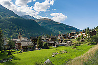 Switzerland, Canton Valais, Evolène: village at valley Val d'Hérens | Schweiz, Kanton Wallis, Evolène: Dorf im Val d'Hérens (Eringertal)