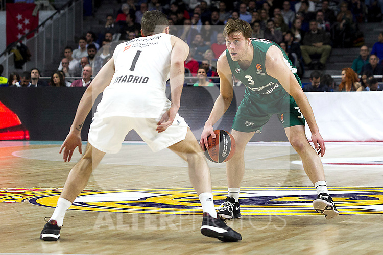 Real Madrid's Fabien Caseur and Zalgiris' Nate Wolters during Euroligue match between Real Madrid and Zalgiris Kaunas at Wizink Center in Madrid, Spain. April 4, 2019.  (ALTERPHOTOS/Alconada)