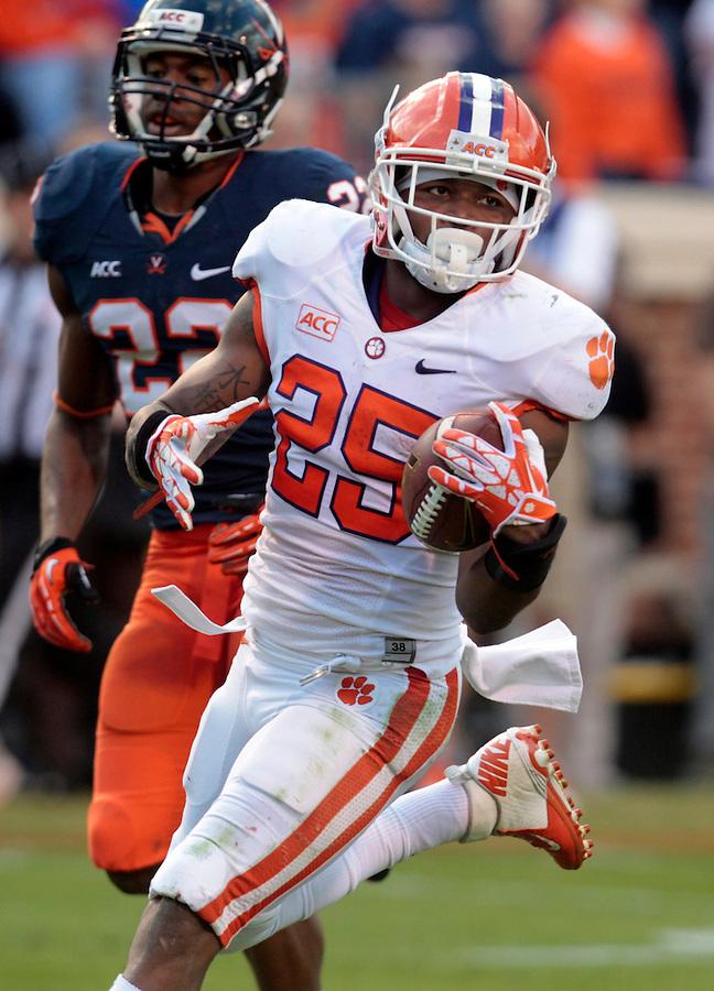 Clemson running back Roderick McDowell (25) during and NCAA football game at Scott Stadium in Charlottesville, VA. Clemson defeated Virginia 59-10. Photo/Andrew Shurtleff