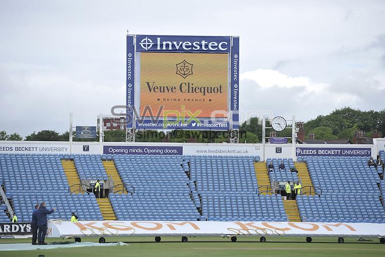 Picture by Allan McKenzie/SWpix.com - 21/05/2016 - Cricket - 2nd Investec Test - England v Sri Lanka - Headingley Cricket Ground, Leeds, England - <br /> The Brief GV