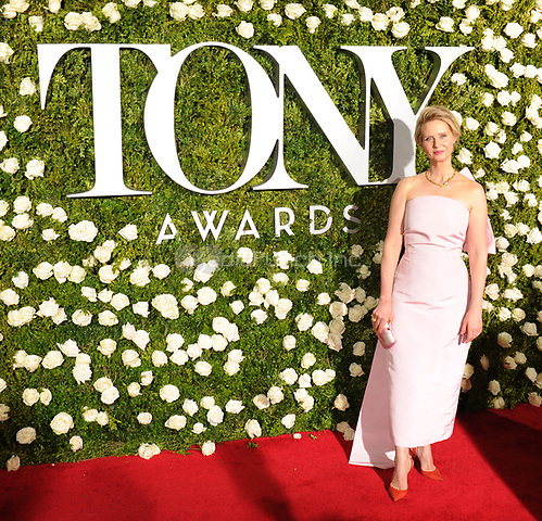 NEW YORK, NY - June 11: Cynthia Nxon attends the 71st Annual Tony Awards at Radio City Music Hall on June 11, 2017 in New York City.@John Palmer / Media Punch