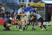 Billy Vunipola of Saracens is tackled by Joe Marler of Harlequins during the Premiership Rugby match between Harlequins and Saracens - 09/01/2016 - Twickenham Stoop, London<br /> Mandatory Credit: Rob Munro/Stewart Communications