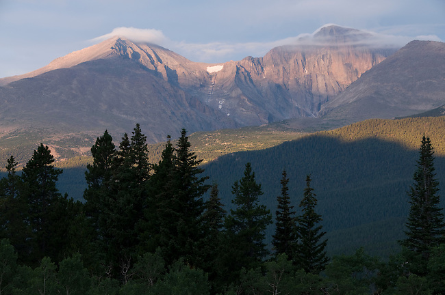 sunrise; sky; color; Mount Meeker; Longs Peak; Mount Lady Washington; forest; trees, Rocky Mountains; Colorado; USA