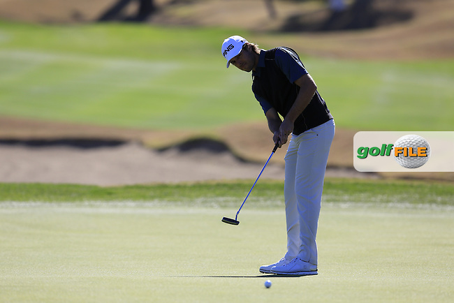 Aaron Baddeley (AUS) putts on the 18th green during Saturday's Round 3 of the 2017 CareerBuilder Challenge held at PGA West, La Quinta, Palm Springs, California, USA.<br /> 21st January 2017.<br /> Picture: Eoin Clarke | Golffile<br /> <br /> <br /> All photos usage must carry mandatory copyright credit (&copy; Golffile | Eoin Clarke)