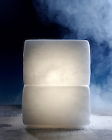 MAGNESIUM LANTERN IN DRY ICE<br />
