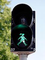 Stoplicht met vrouwfiguur