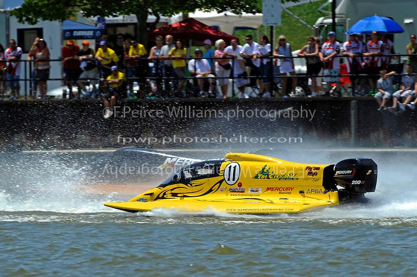 Chris Fairchild, (#62) races Donny Lick, (#11) into turn 1. (SST-120 class)