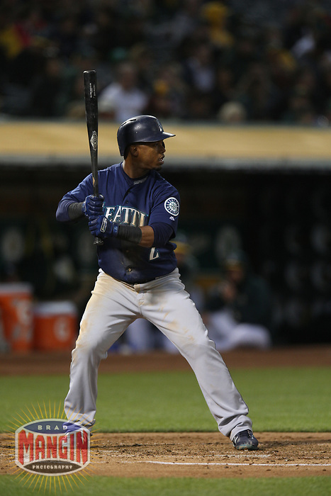 OAKLAND, CA - AUGUST 13:  Jean Segura #2 of the Seattle Mariners bats against the Oakland Athletics during the game at the Oakland Coliseum on Monday, August 13, 2018 in Oakland, California. (Photo by Brad Mangin)