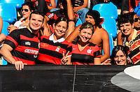 ATENCAO EDITOR: FOTO EMBARGADA PARA VEICULOS INTERNACIONAIS-RIO DE JANEIRO, RJ, 30 SETEMBRO 2012-CAMPEONATO BRASILEIRO-FLAMENGO X FLUMINENSE- Torcida do Flamengo durante a partida Flamengo x Fluminense valida pela 27 rodada do Campeonato Brasileiro no Estadio Joao Havelange, Engenhao, neste domingo, 30 de setembro,na zona norte do Rio de Janeiro.(FOTO:MARCELO FONSECA/ BRAZIL PHOTO PRESS).