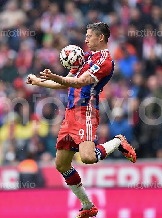 Fussball  1. Bundesliga  Saison 2014/2015   3. SPIELTAG FC Bayern Muenchen - VfB Stuttgart       13.09.2014 Robert Lewandowski (FC Bayern Muenchen) am Ball