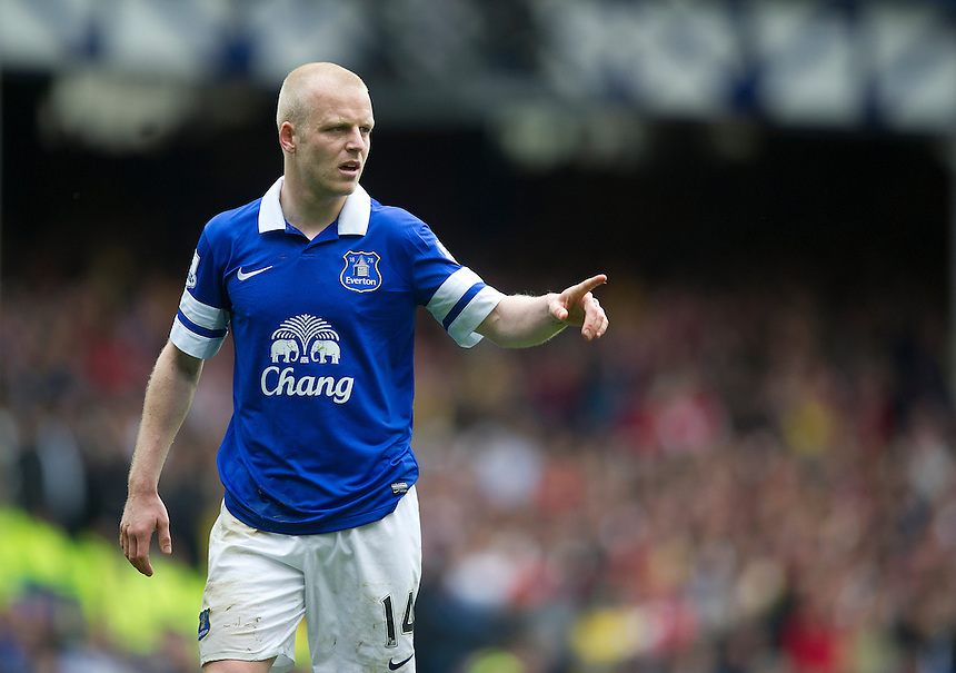 Everton's Steven Naismith<br /> <br /> Photo by Stephen White/CameraSport<br /> <br /> Football - Barclays Premiership - Everton v Arsenal - Sunday 6th April 2014 - Goodison Park - Liverpool<br /> <br /> &copy; CameraSport - 43 Linden Ave. Countesthorpe. Leicester. England. LE8 5PG - Tel: +44 (0) 116 277 4147 - admin@camerasport.com - www.camerasport.com