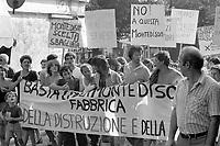 - luglio1981, manifestazione di protesta dei cittadini di Massa dopo l'ennesimo incidente ecologico all'interno dell' industria chimica Farmoplant (Montedison)   <br /> <br /> <br /> <br /> - July 1981, protest demonstration of the citizens of Massa after the umpteenth ecological incident within the chemical industry Farmoplant (Montedison)