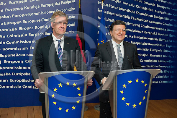 Brussels-Belgium, July 08, 2010 -- Jose (José) Manuel BARROSO (ri), President of the European Commission, receives Christian WULFF (le), Federal President of Germany -- Photo: Horst Wagner / eup-images