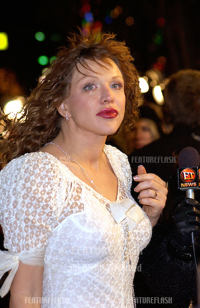 Actress/singer COURTNEY LOVE at the world premiere, in Hollywood, of Vanilla Sky..10DEC2001. .© Paul Smith/Featureflash