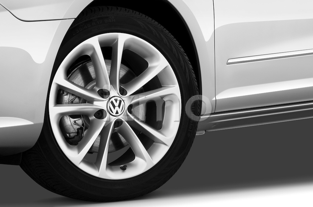 Tire and wheel close up detail view of a 2009 volkswagen cc luxary