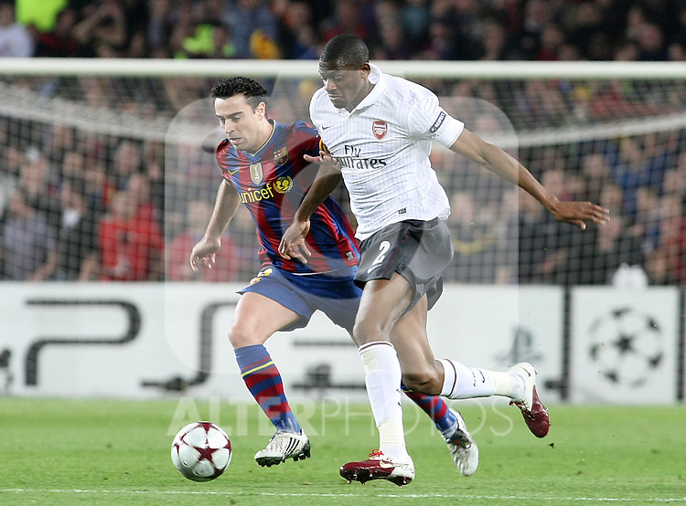 Arsenal's Abou Diaby (r) and FC Barcelona's Xavi Hernandez  during UEFA Champions League match. April 6, 2010. (ALTERPHOTOS/Acero)